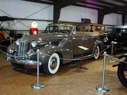 1940_cadillac_convertible_4.jpg