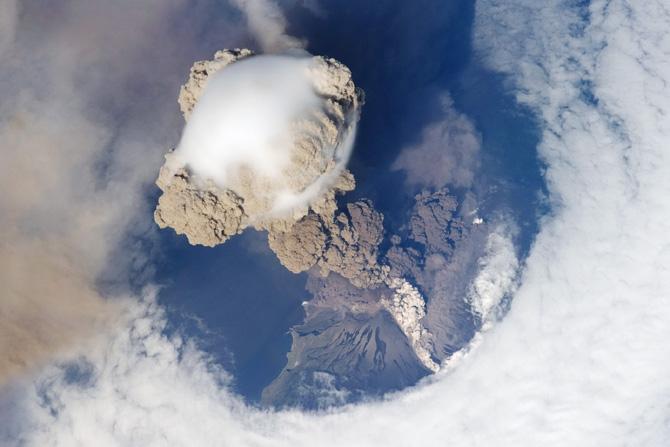 volcano_sarychev1a